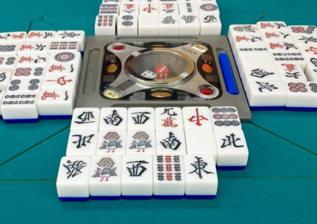大阪でフリー麻雀を打つなら4人打ちから3人打ちまでリーズナブルな料金の【ま~じゃん倶楽部 大成】